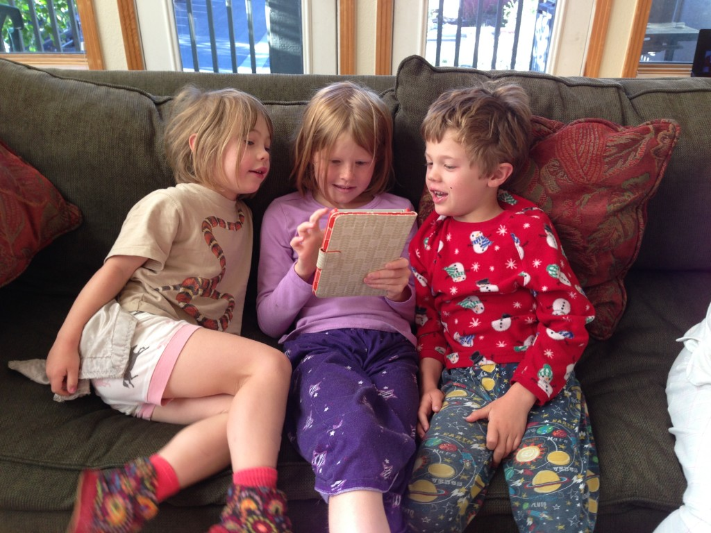 Jude and Anna were very enamored with Lily's iPad
